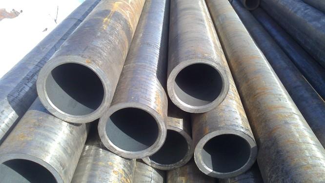 Труба толстостенная 104х12 стальная бесшовная горячекатаная ГОСТ 8732-78 купить в наличии на складе от 1 метра.