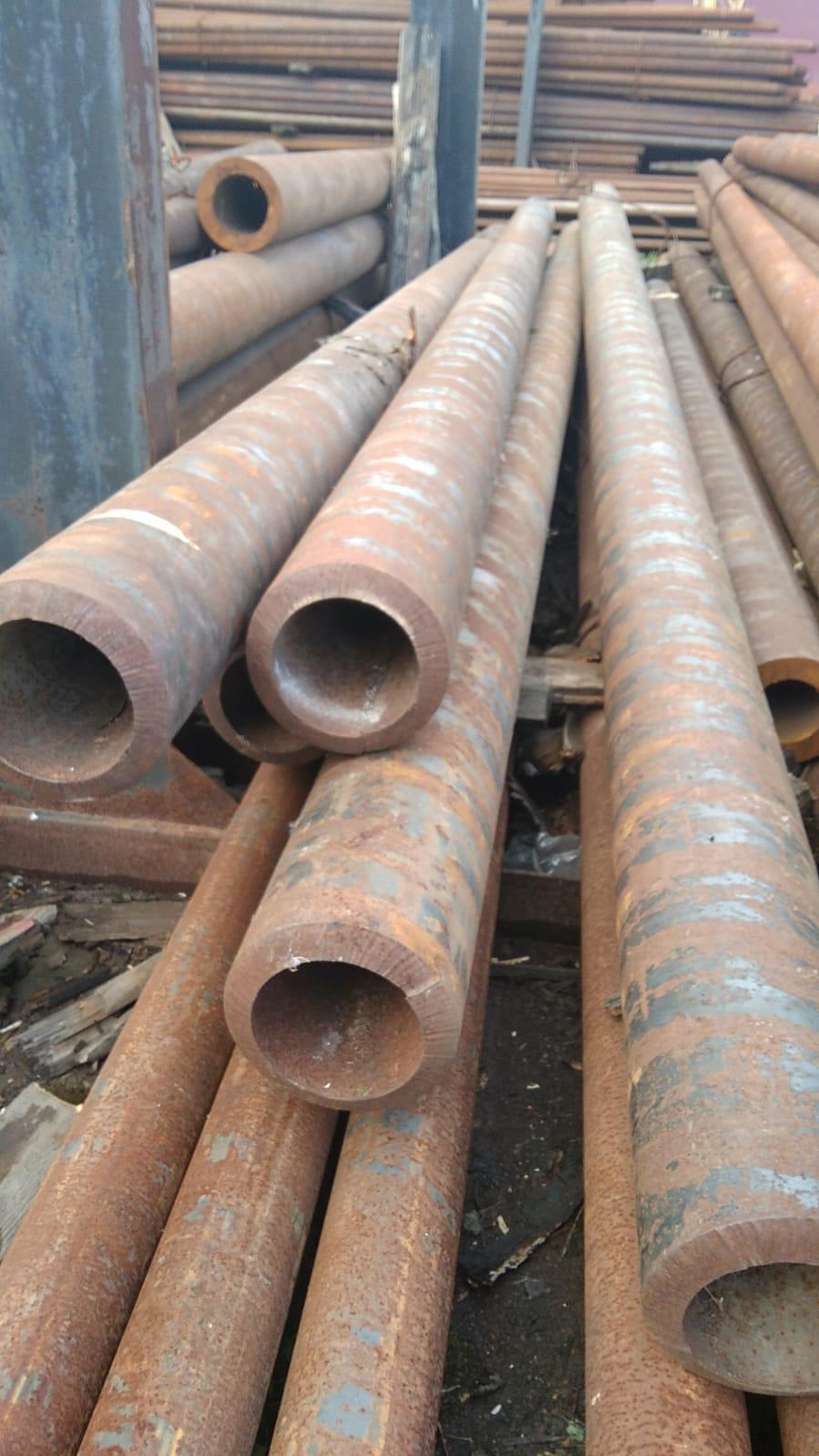Продам трубу толстостенную 180/25 стальную бесшовную горячекатаную ГОСТ 8732-78 из наличия со склада от 1 метра.