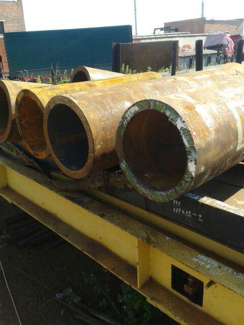 Труба 377х36 толстостенная стальная бесшовная горячекатаная ГОСТ 8732-78  в наличии на складе от 1 метра.  Трубу 377х36 черную стальную горячедеформированную ГОСТ 8731-74 можно купить из наличия со склада от 1 метра.